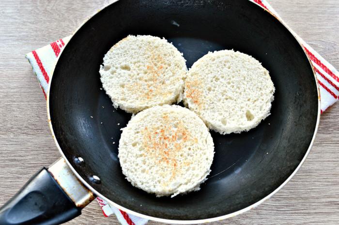 Бутерброды с селедкой и лимоном - вкусная закуска на праздничный стол