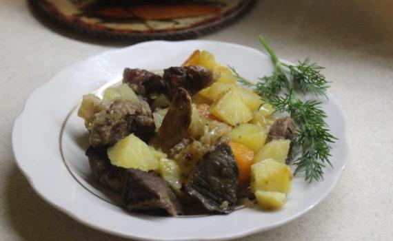 Жаркое из свинины с картошкой и грибами сушеными - рецепт жаркого в горшочках