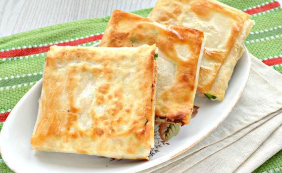 Жареный лаваш с начинкой из колбасы и сыра плавленного
