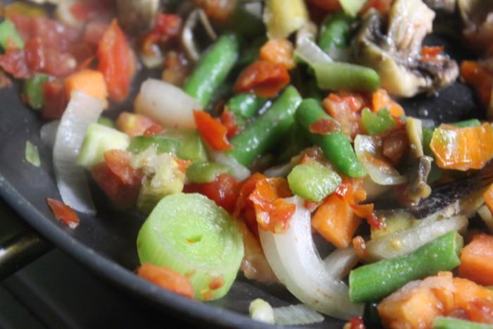 Крабовый суп с овощами - вкусное и постное первое блюдо быстрого приготовления