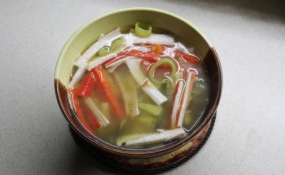 Крабовый суп с овощами - вкусный постный суп быстрого приготовления