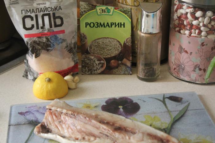 Пикантная скумбрия с чесночным соусом