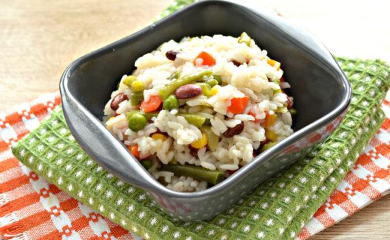 Рис с мексиканской смесью на сковороде - вкусный постный гарнир