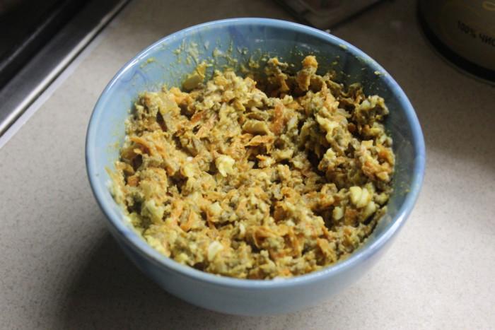 """Печеночный салат """"Золотая осень"""" с морковью, луком и яйцами"""