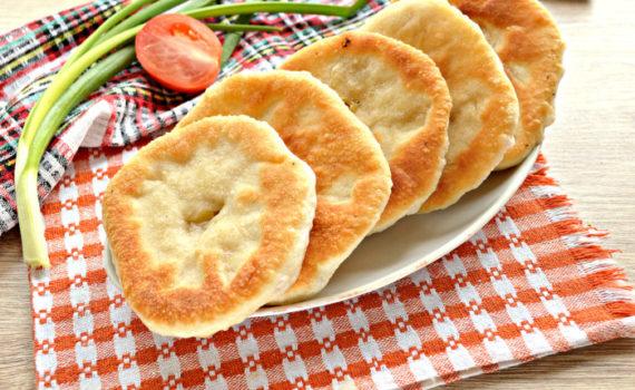 Сырные лепешки на сковороде - жареные пирожки с сыром