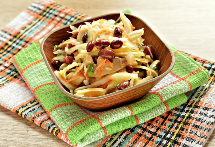Постный салат с фасолью и овощами без майонеза
